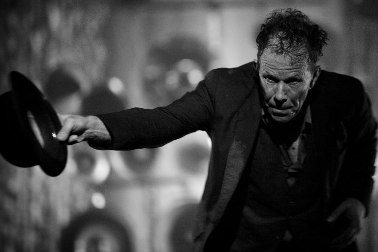 Tom Waits – Thanks