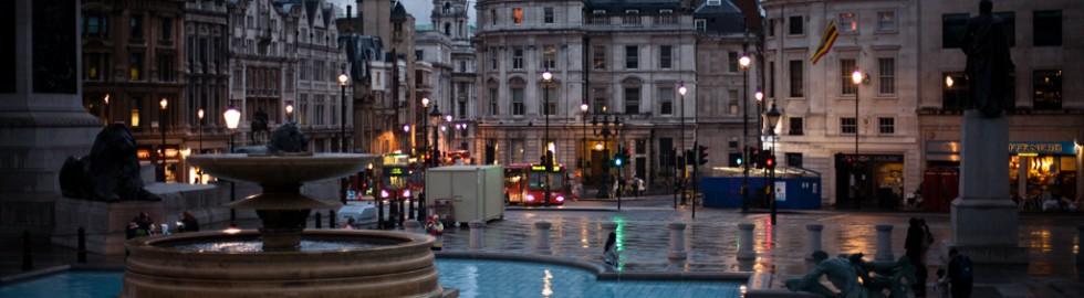London – Trafalgar Square by night