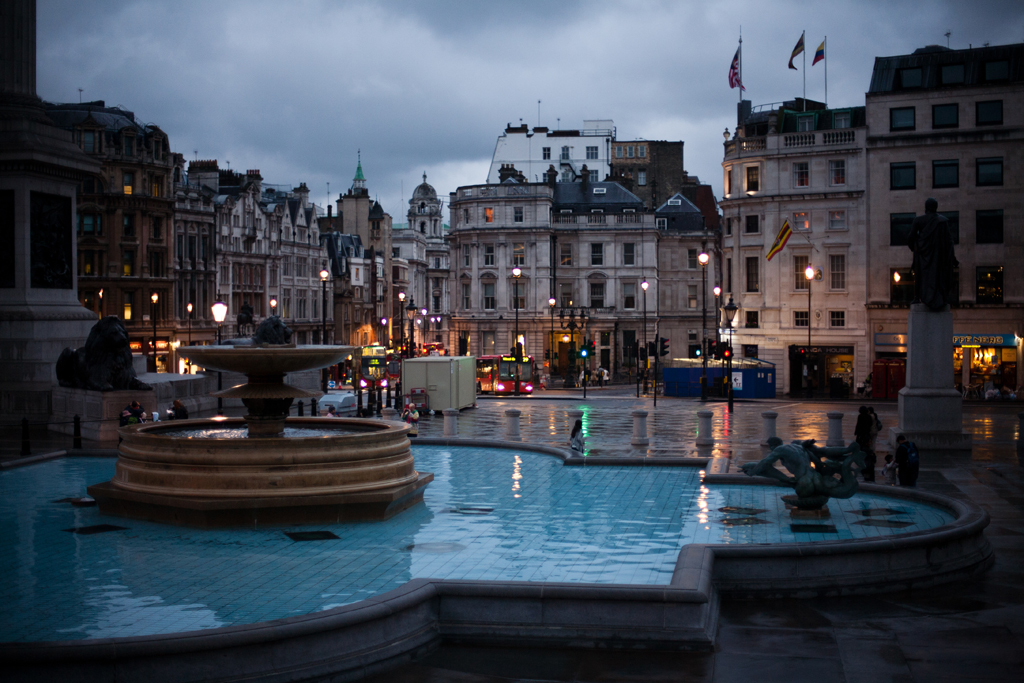 Trafalgar Square by night