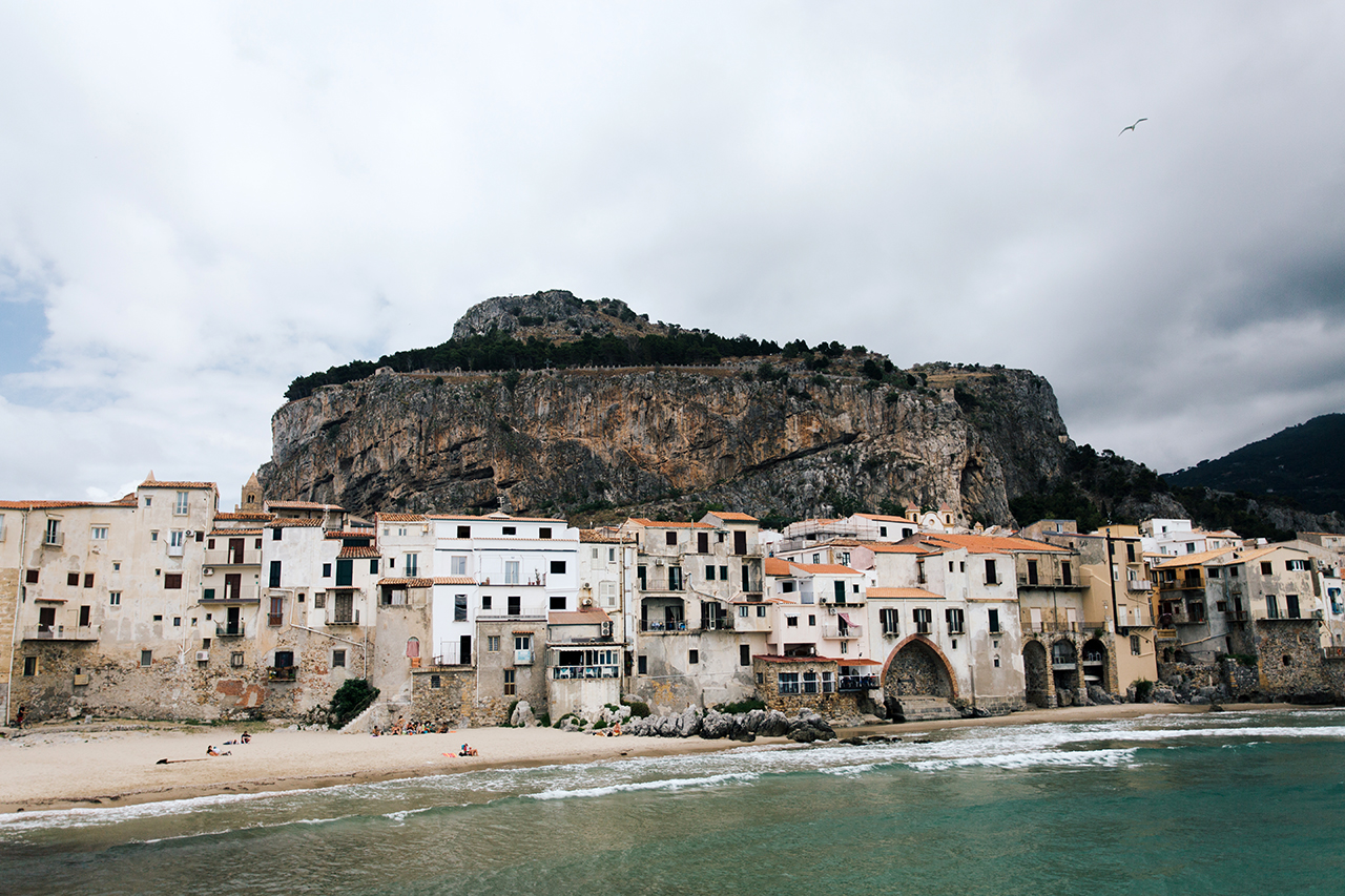 cefalù cloudy morning
