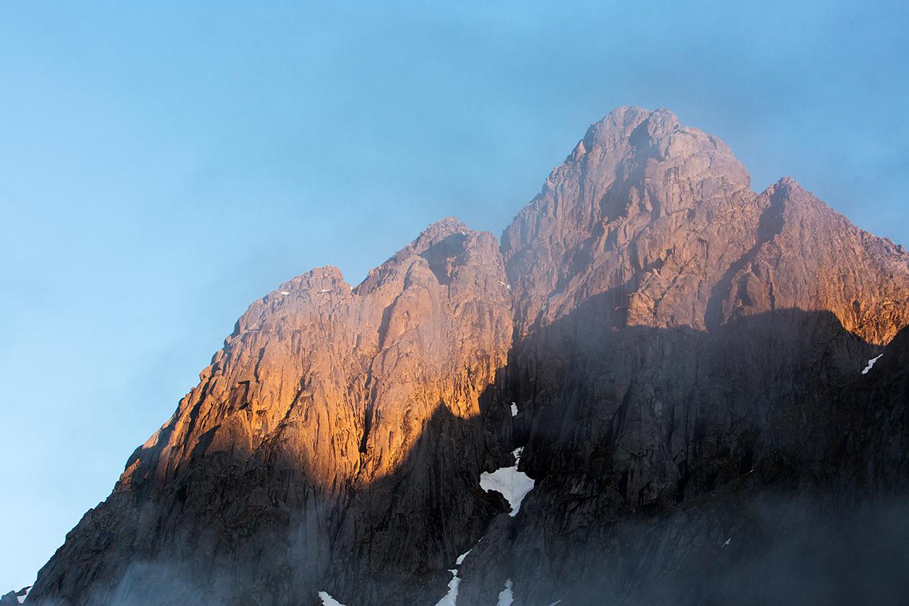 mountains Sakrisøy