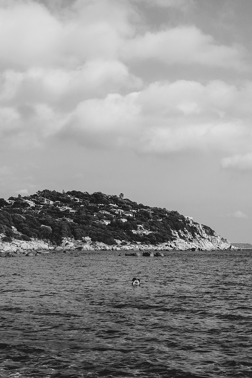 sardinia lovers in black and white