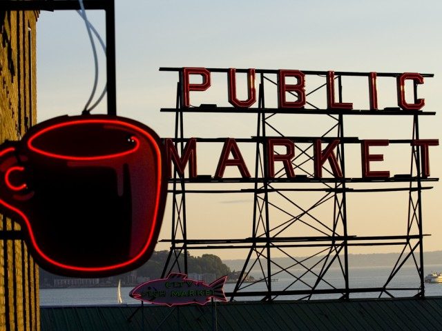 Seattle – Pike Place Market Sign
