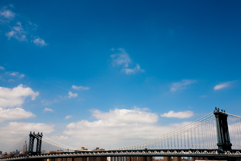 sky over manhattan bridge