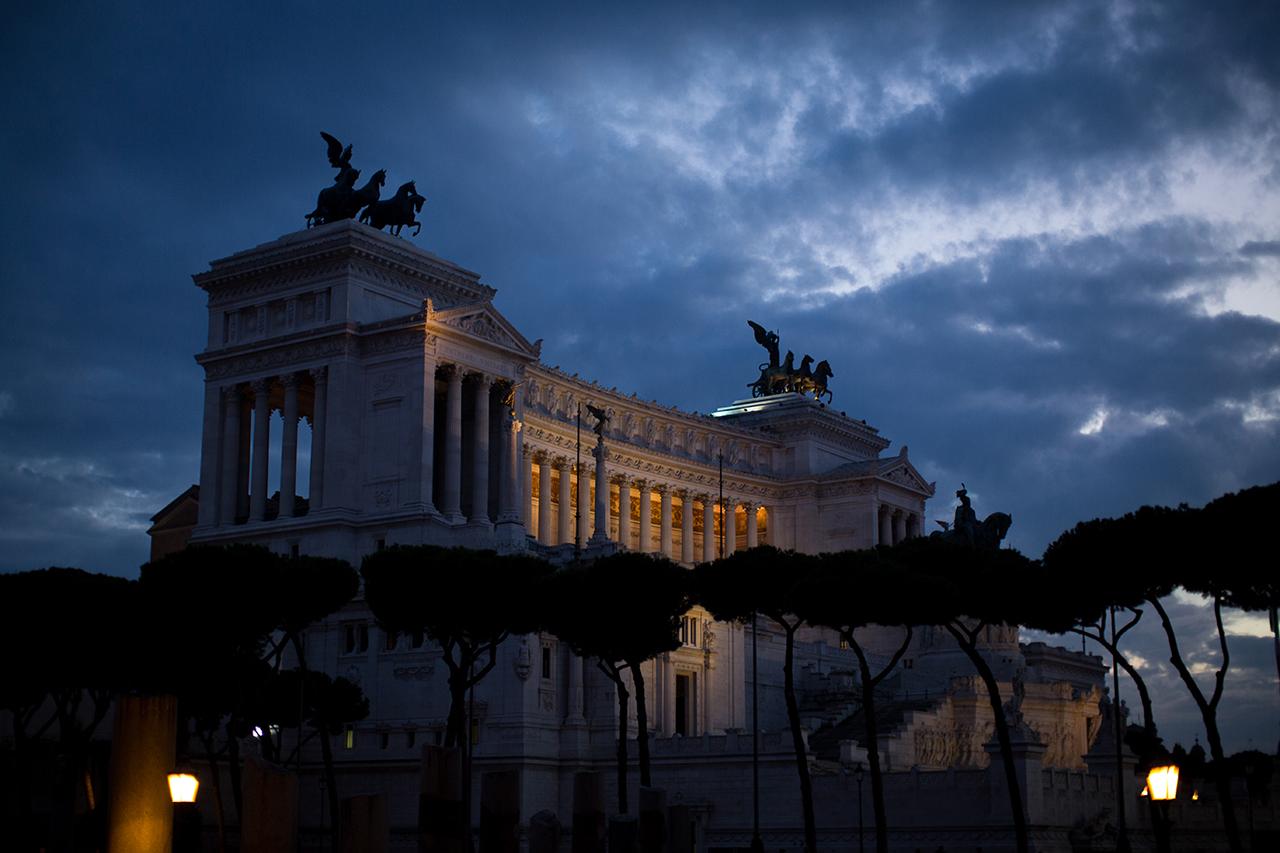rome vittoriano night