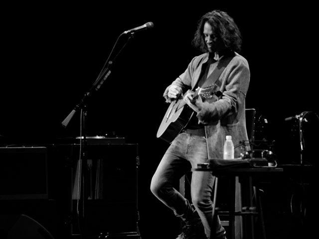 Chris Cornell – Can't change me
