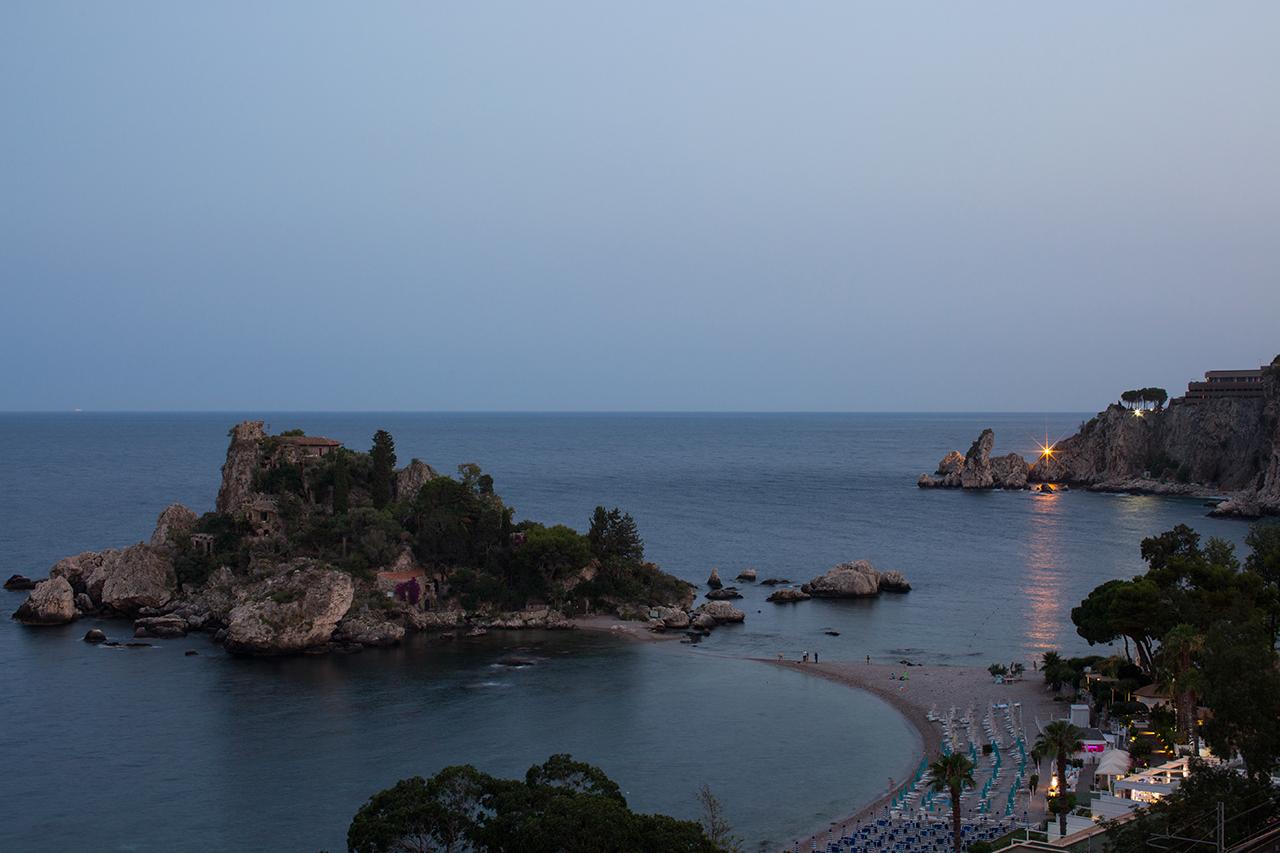 taormina isola bella night