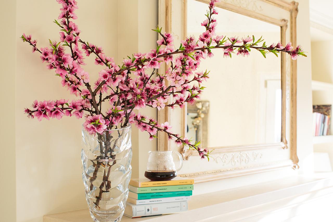 peach flowers coffee