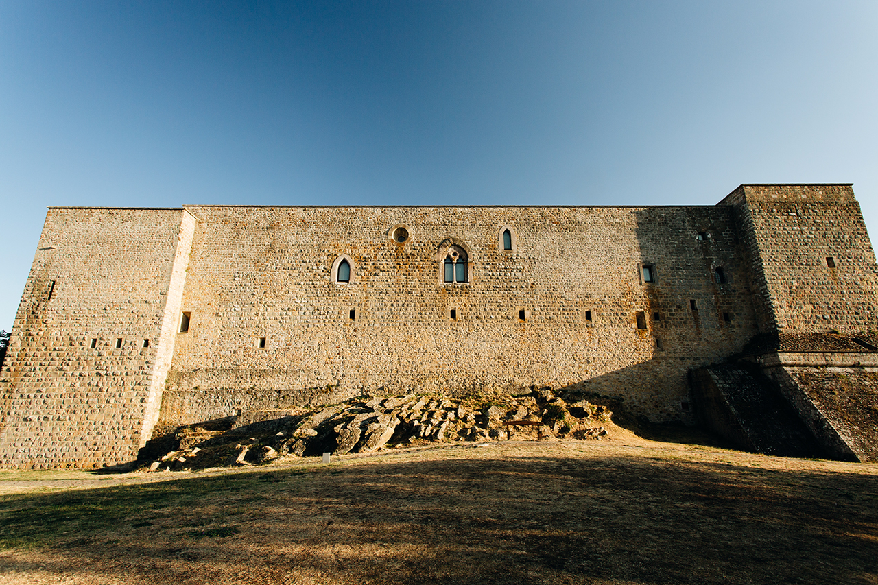 lagopesole castle