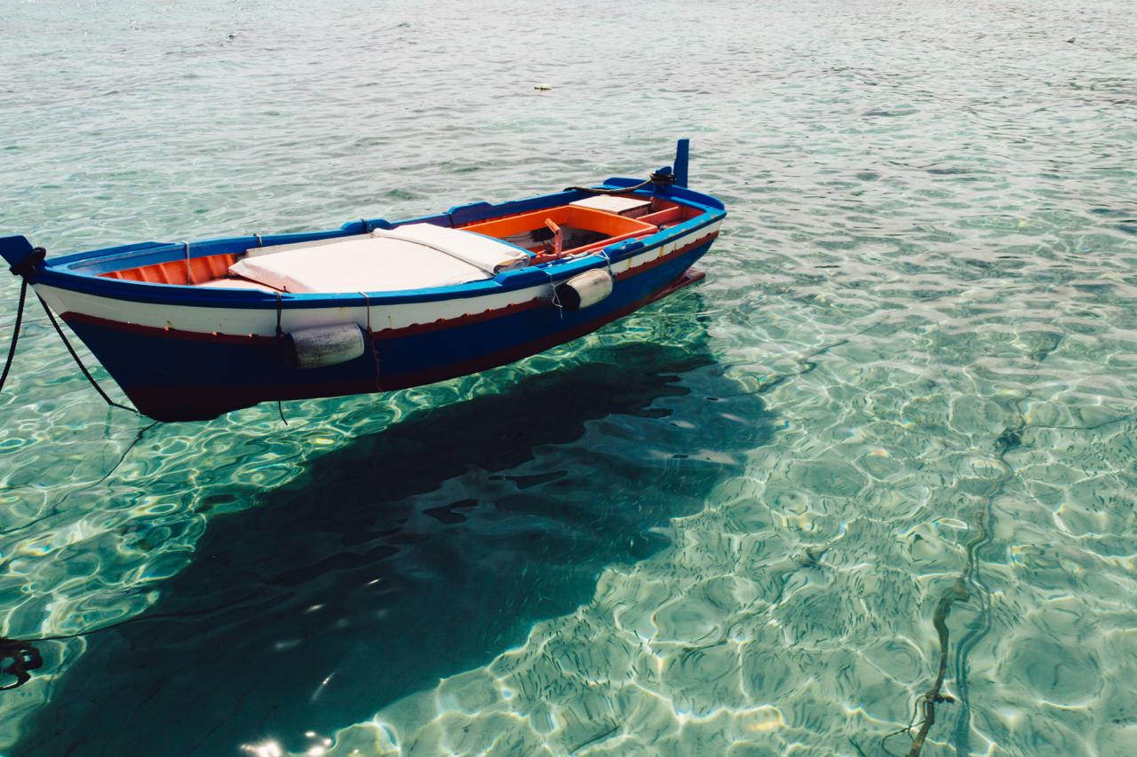 mondello barca e pesci