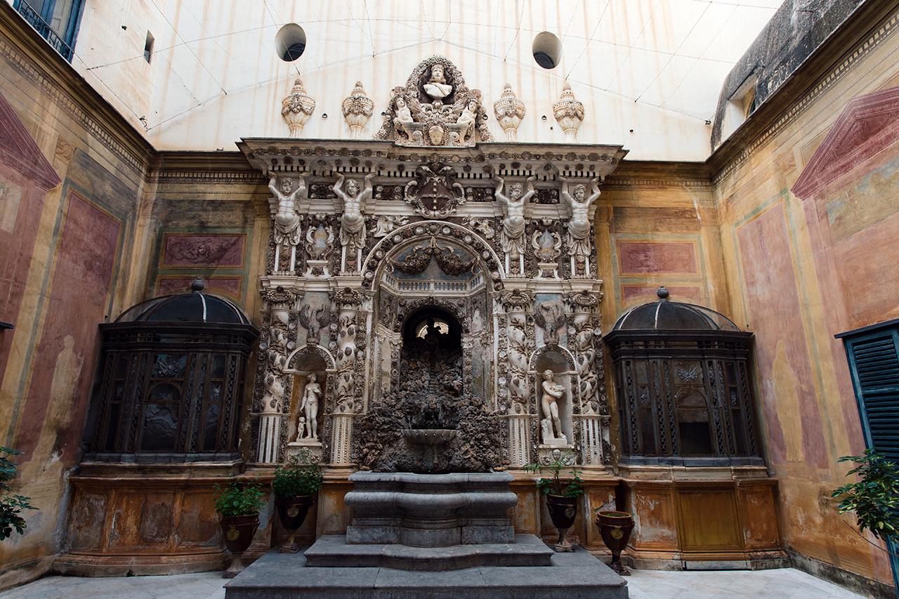 palermo fontana palazzo mirto