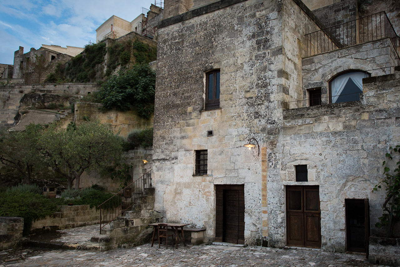 matera light dark
