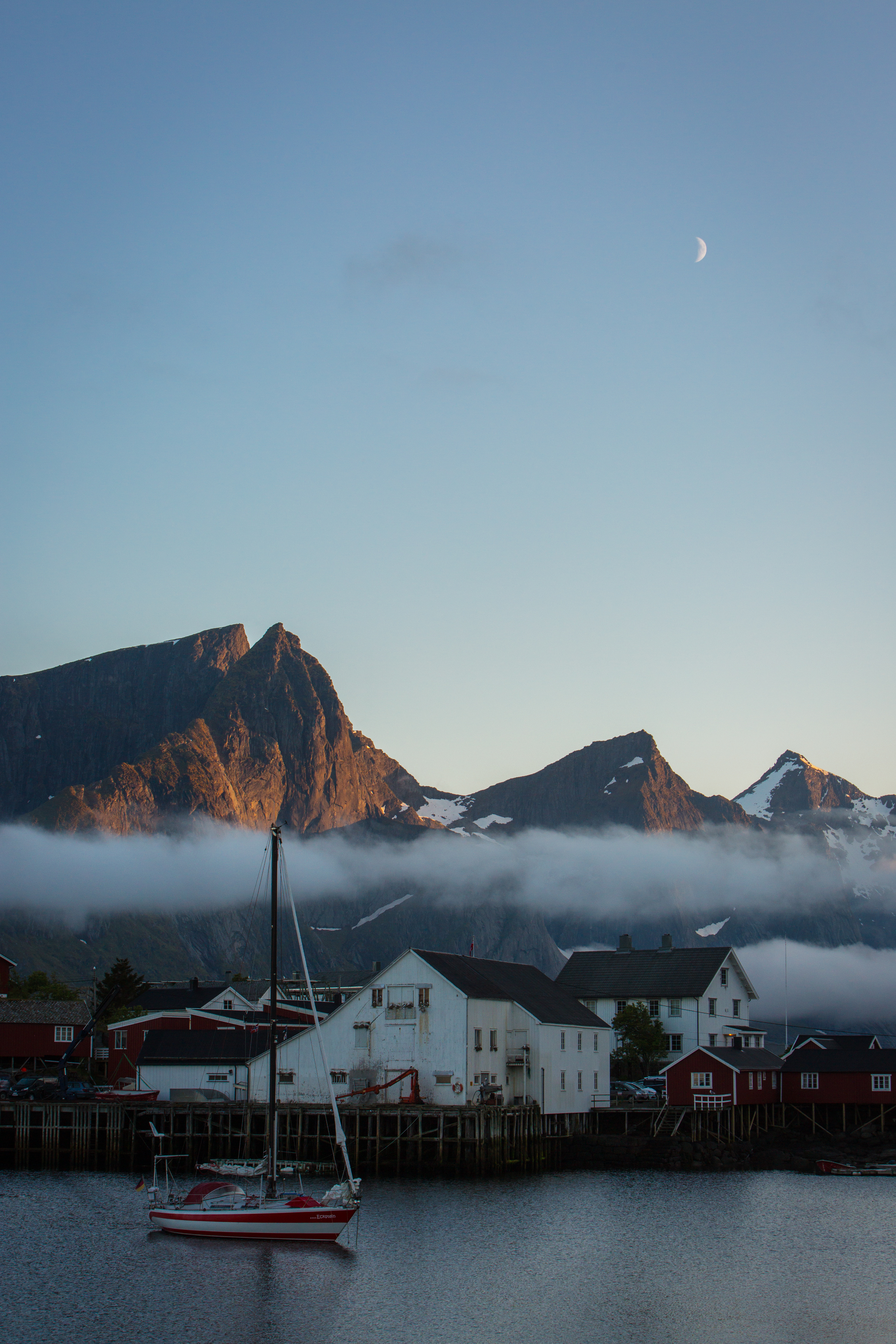 lofoten quite night